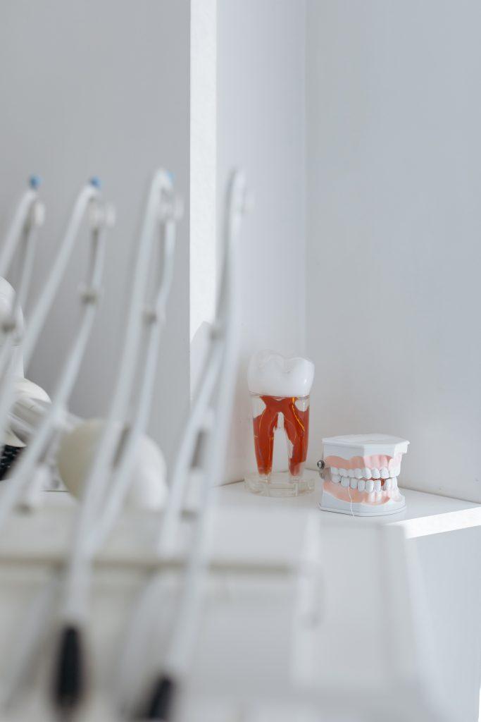 porcelain veneers - dental equipment